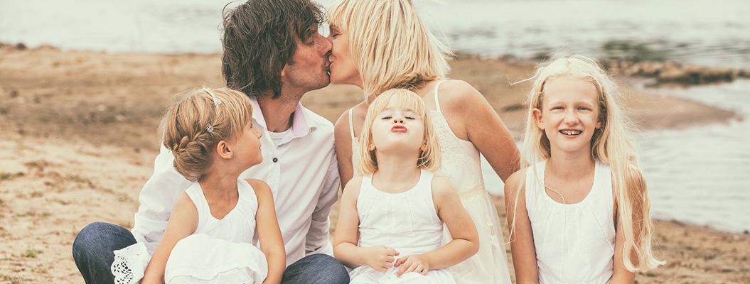 Помочь ребенку вырасти счастливым картинка