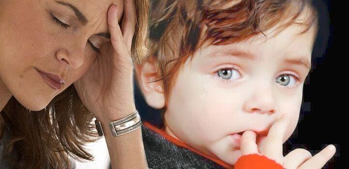 Ребенок грызет ногти фото